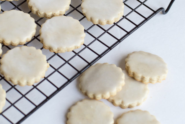 Honey and Rosemary Shortbread Cookies