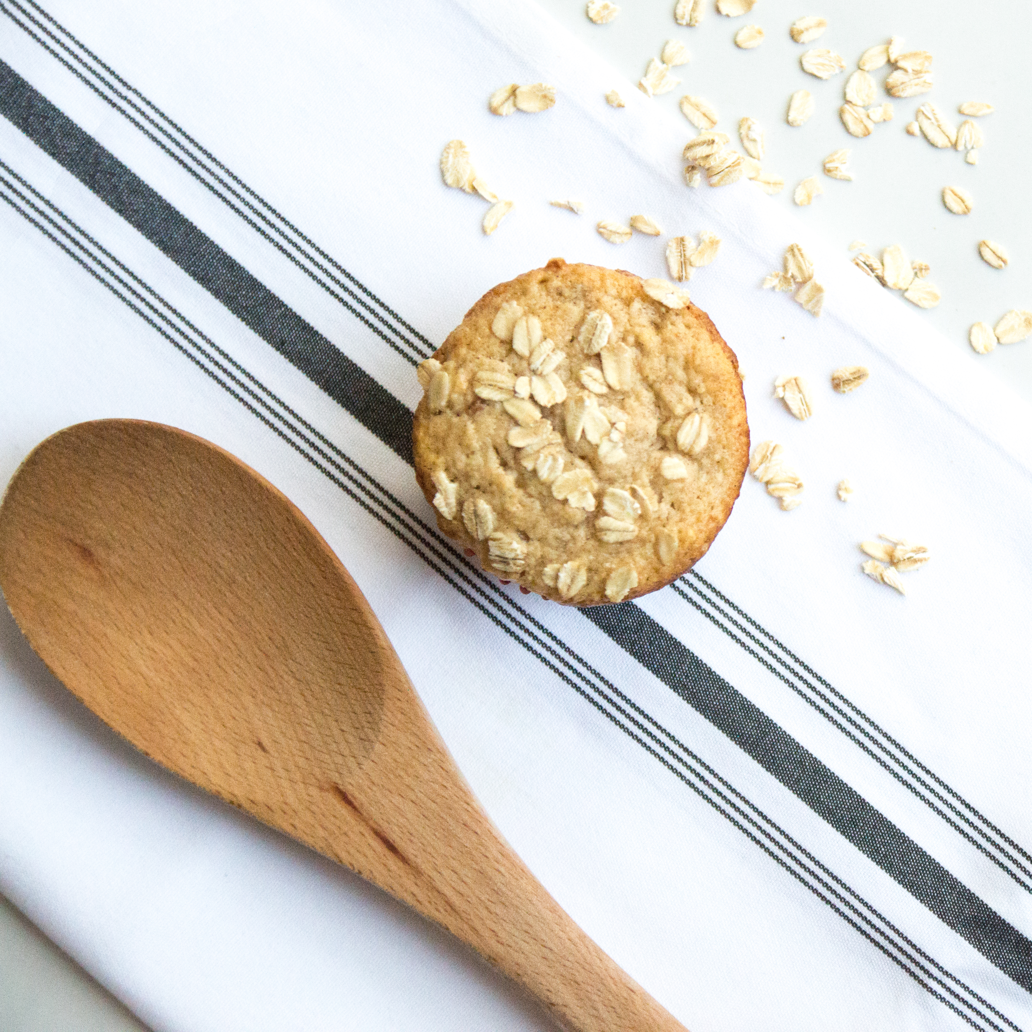 Healthy Spiced Apple and Oat Muffins